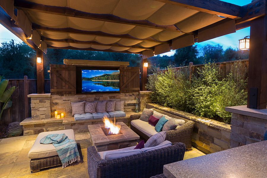 Outdoor home theater 1